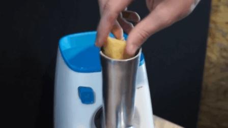 把一块奶酪放进绞肉机里会变成奶油吗? 老外做了个实验, 真厉害!