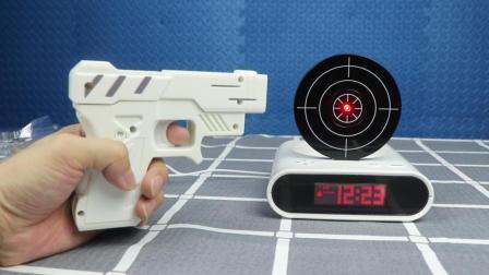 试玩最强吃鸡闹钟, 用手枪射击来关闭闹钟, 太好玩了