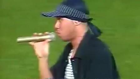 """2002年世界杯闭幕式 韩日歌手""""富士山前""""携手合唱"""
