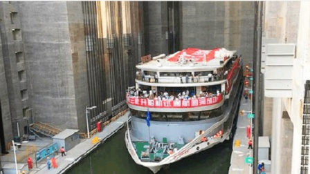 三峡大坝船闸, 过船一次要多少钱呢? 说出来你都不敢信!