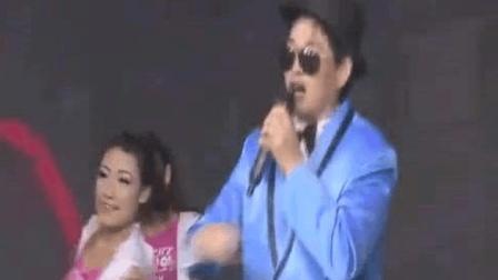 大衣哥朱之文演唱的《江南style》, 竟那么好听, 听听看