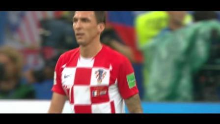 世界杯: 又是乌龙球! 克罗地亚前锋头球攻破自家球门! 表情太搞笑了