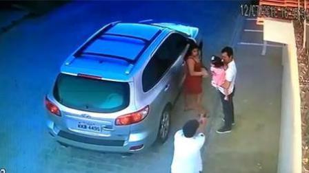 男子下车遇刺客埋伏 送走女儿之后坦然赴死