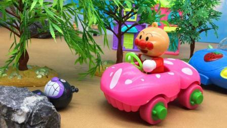 童趣游戏面包超人 第一季 红豆面包超人帮助细菌小子移开大石头
