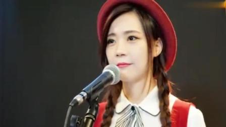 美女翻唱粤语版《童年》超级好听!