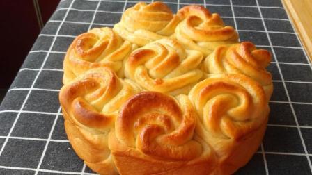 300克面粉1个鸡蛋, 教你做玫瑰花面包, 松软美味, 3分钟就学会