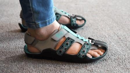 专为小朋友众筹的创意凉鞋, 能跟着脚一起变大, 你信吗?
