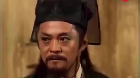 令狐冲第一次展示独孤九剑, 直接把岳不群看蒙!