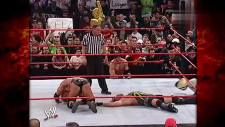 早期WWE大型红色杀人机器有多霸道? 挡我者死! 进化军团也不例外