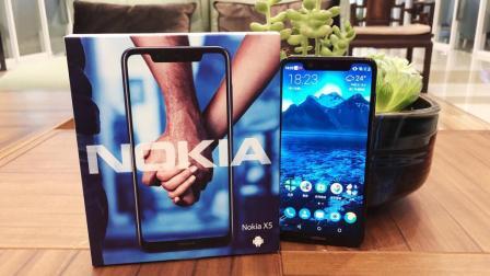 诺基亚X5开箱上手: 这手感真是爽爆了
