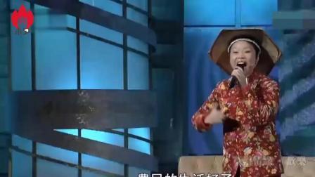 草帽姐现场版《山路十八弯》, 高亢嗓门比原唱还高还好听, 惊艳了!