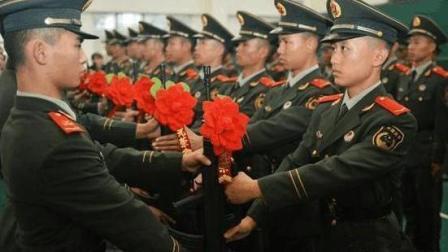 如果战争打响, 你愿意为国上战场吗? 中国人回答太提气了!