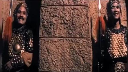 两男子进入神秘古堡, 遇见古代人, 还有女僵尸