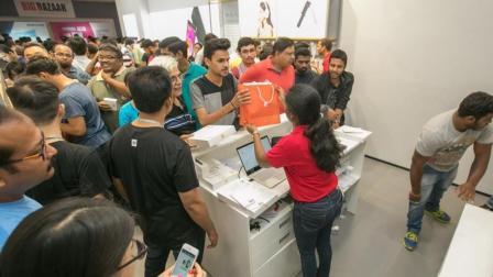 环球科技扫描 印度人最想买的手机是什么? 三星只能排第3, 中国品牌占据前2名