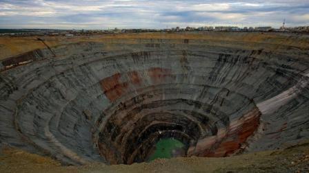 总量1000万亿吨钻石! 大量钻石正在地球深处沉睡: 最深200公里