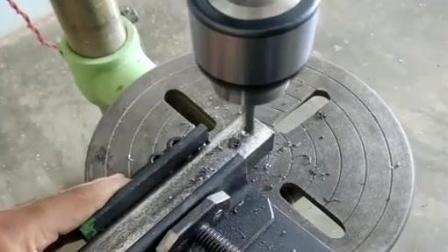 牛人把角磨机稍微一改, 功能也太强大了, 一机多用很方便