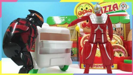 月采面包超人玩具  小猪佩奇面包超人披萨店叫外卖得奥特曼玩具变形蛋