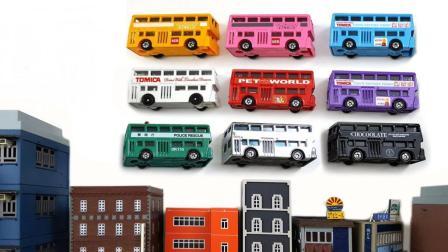 卡通主题外观的双层巴士