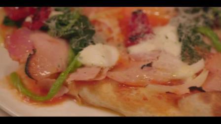 孤独的美食家——大叔版吃播火腿蛋&纳豆披萨双拼 这个披萨我喜欢! !