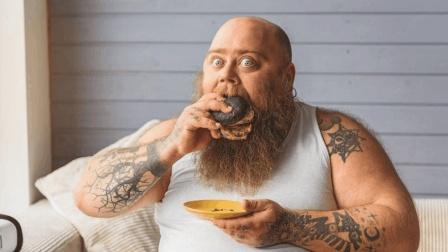 为什么男人先胖肚, 女人先胖腿? 今天总算知道了