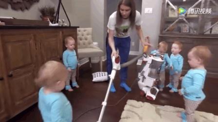 妈妈用吸尘器去吸五胞胎的脚丫子, 萌娃们的反应太可爱了!