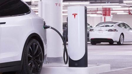 特斯拉糟糕售后: 充电桩1年坏2次, 修1次花了4个月