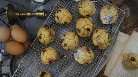 我的日常料理 第一季 超详细步骤教你制作北美最流行的咖啡点心 枫糖山核桃马芬蛋糕