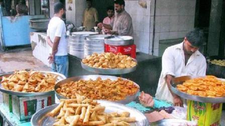 在巴基斯坦, 100块人民币能做什么? 说出来你都不信!