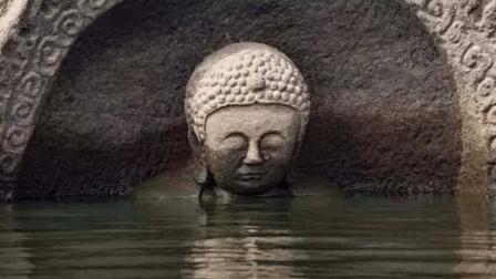 一水库水位下降后, 突然出现了大量佛像, 专家赶来后揭露一个秘密