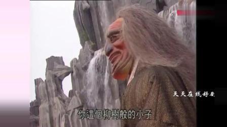 赵文卓饰演的容海山对战日本忍术高手, 持续了一天一夜, 打得难分难解