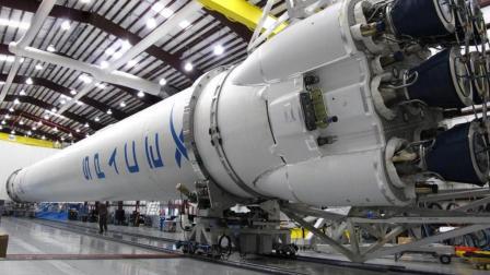 2018-07-24 环球科技扫描 2.SpaceX火箭今年第13次发射: 成功回收助推器, 可重复使用10次