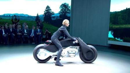 宝马的亲儿子, 这辆摩托想倒都难, 连排气管都没有?