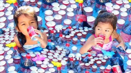 对抗酷暑 泳池+可乐 凉爽嗨翻天!