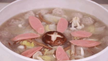 不加一滴油, 教你用肉丸、白菜、火腿肠、香菇做一锅鲜, 营养又美味