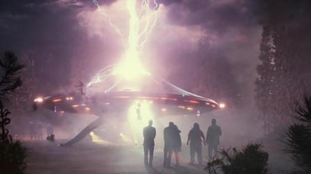 飞船意外坠毁, 外星人被困地球60年, 成了人类的囚犯! 速看科幻喜剧电影《保罗》