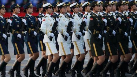 中国女兵阅兵方阵, 光是听脚步声都知道有多威武!