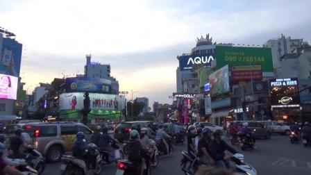 看看越南的交通大转盘, 老司机来了也懵逼!