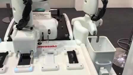 日本发明贴膜机器人, 50秒完美贴膜, 天桥贴膜小哥要失业?