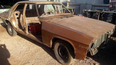小伙修复1974年霍顿跑车, 完成后价值不菲, 一座牧场有着落了