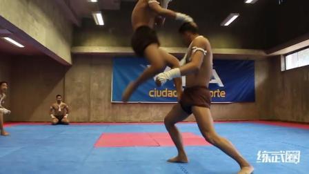 超精彩的泰拳格斗表演, 简直就像在看电影!