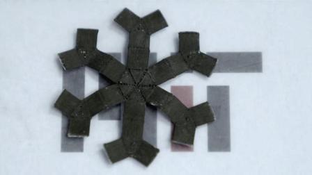 美国发明磁性机器人, 会伸缩移动隔空移物, 太好玩了!