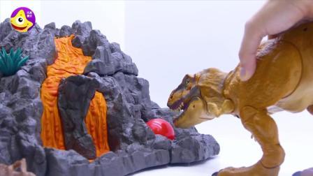 恐龙玩具足球世界杯 恐龙岛的霸王龙踩到皮球摔倒了小龙们都来帮忙