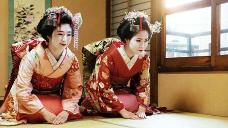 为什么日本女人总喜欢跪着? 还要穿上白袜子? 原因你可能猜不到