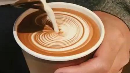 纸杯中的千层心咖啡拉花技巧视频