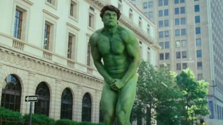 一部笑到抽筋的电影! 片子里的绿巨人变身后, 短裤终于被撑爆了