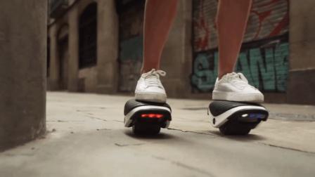 高科技创意平衡轮问世, 像平衡车一样, 踩上去就能走