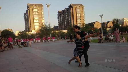 松原洮南第一届拉丁舞水兵舞汇演松原双女吉特巴舞动东北原创舞蹈视频正式篇496