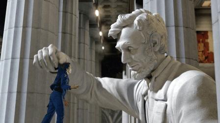 老白说电影几分钟看完《博物馆奇妙夜2》两方博物馆古董有生命后, 开始了大战