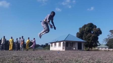 中国功夫远播海外, 非洲开少林寺黑人小孩练得有模有样!