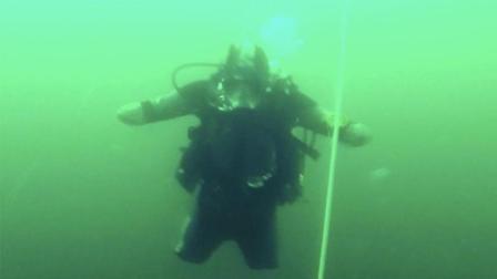 励志!俄罗斯四肢截肢者成世界级潜水员